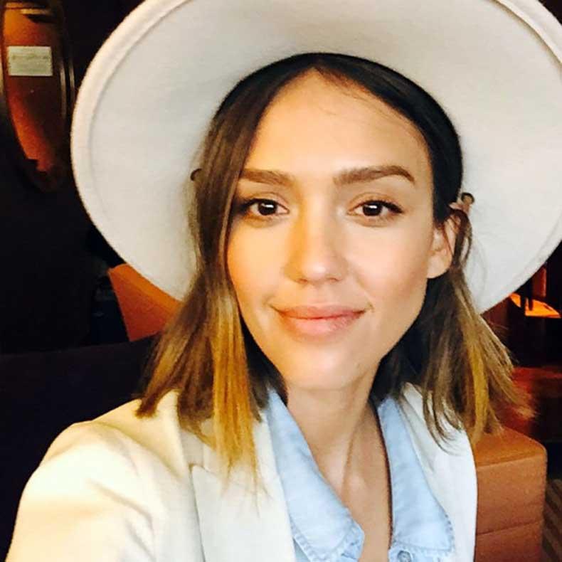 Jessica-Alba-natural-eyebrows-600x600