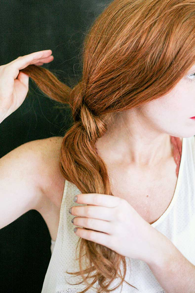 Le-Fashion-Blog-Two-Minute-Knotted-Ponytail-Easy-Hair-Tutorial-Textured-Wavy-Red-Hair-White-Lace-Tank-Top-Via-Say-Yes