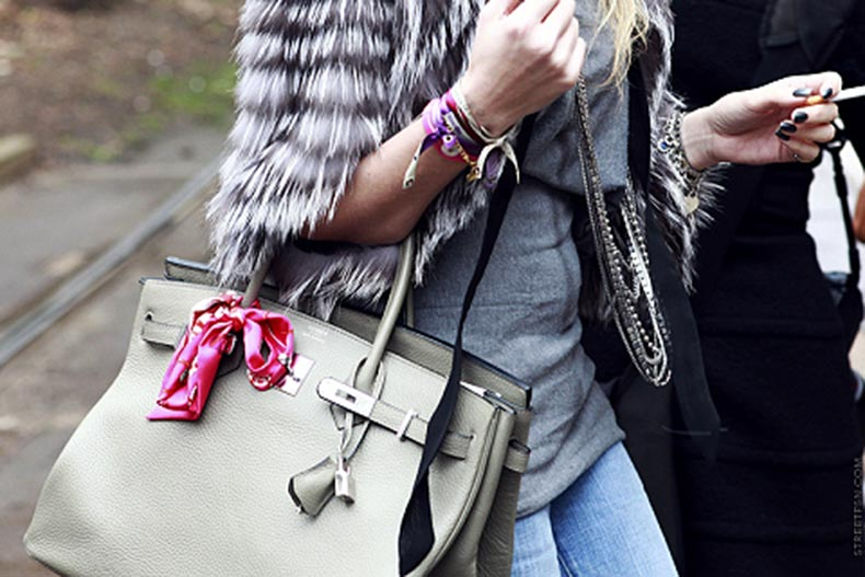 Scarf-On-Bag-(1)