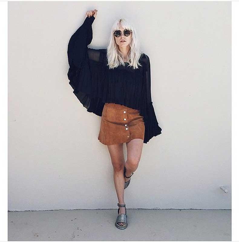 Sheer-Wide-Sleeved-Shirt-Full-70s-Effect