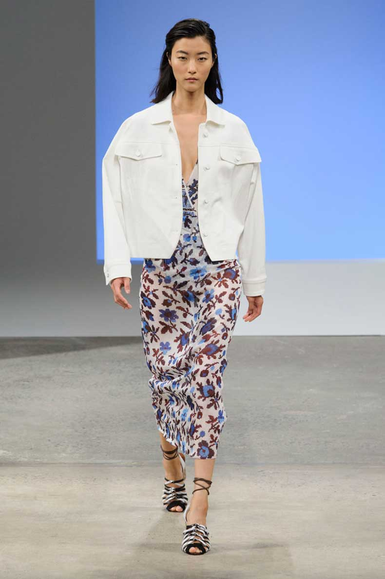boxy-jacket-over-soft-florals