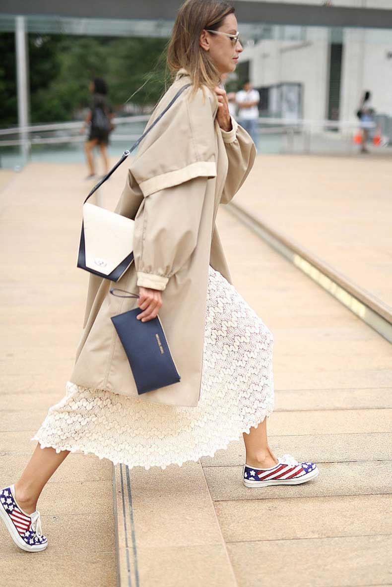 lace-fall-whites-trench-coat-double-bags-sneakers-via-instagram-wheresmydriver
