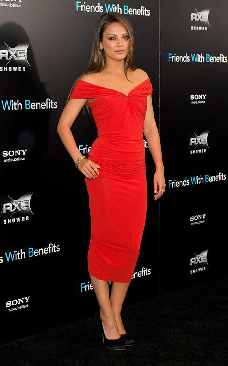 mila-kunis-red-dress