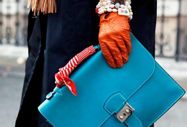 scarves_as_handbag_accessories