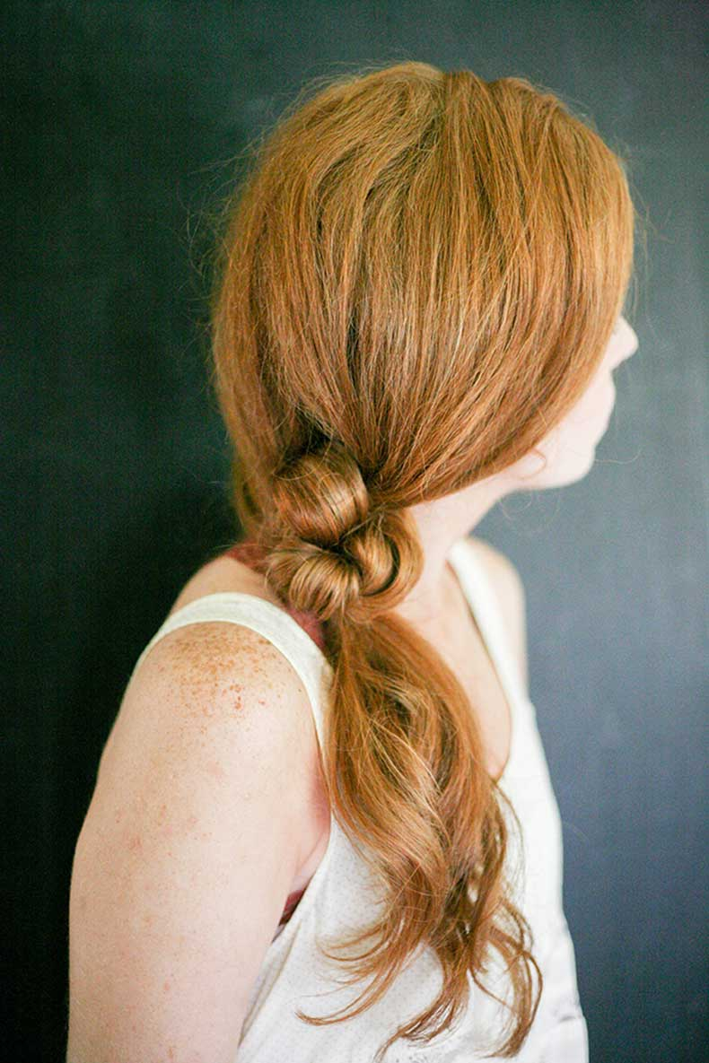 simple-knotted-ponytail