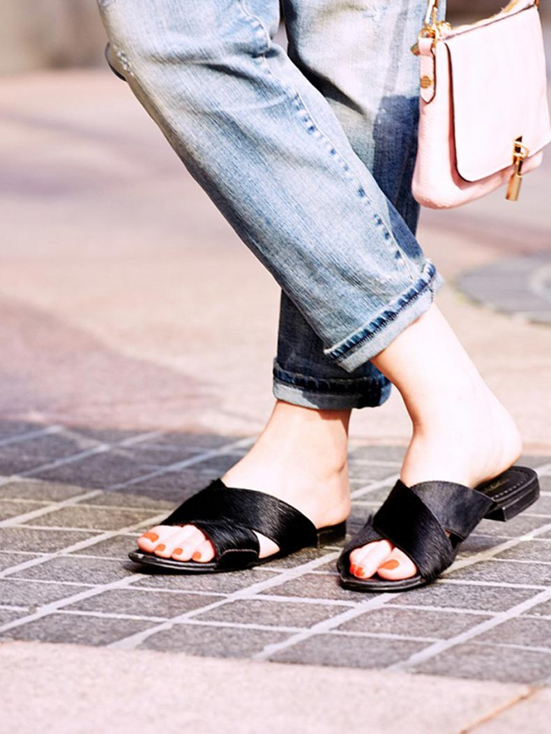 slide-sandals-outfits-17