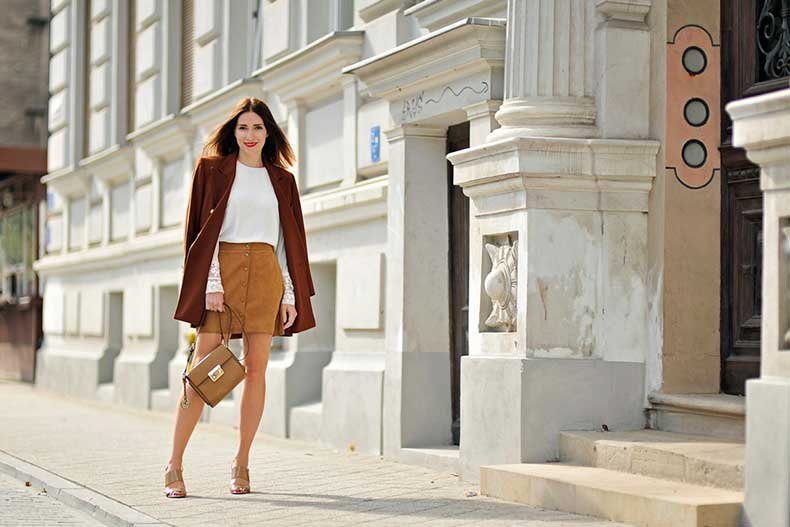 4-suede-skirt-street-fashion-11