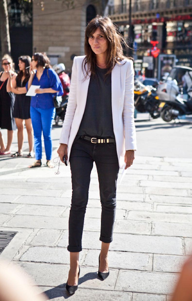 A-LOVE-IS-BLIND-EMMANUELLE-ALT-VOGUE-PARIS-CRISP-CLEAN-WHITE-BLAZER-JACKET-METAL-STUDDED-BELT-ROLLED-UP-SKINNY-DARK-BLACK-DENIM-STREET-STYLE-FASHION-WEEK
