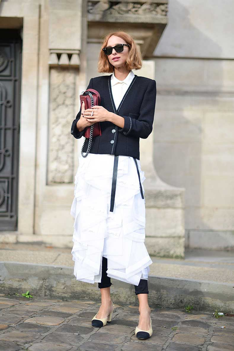 Candela-Novembre-added-hers-finish-black-white-Chanel-look