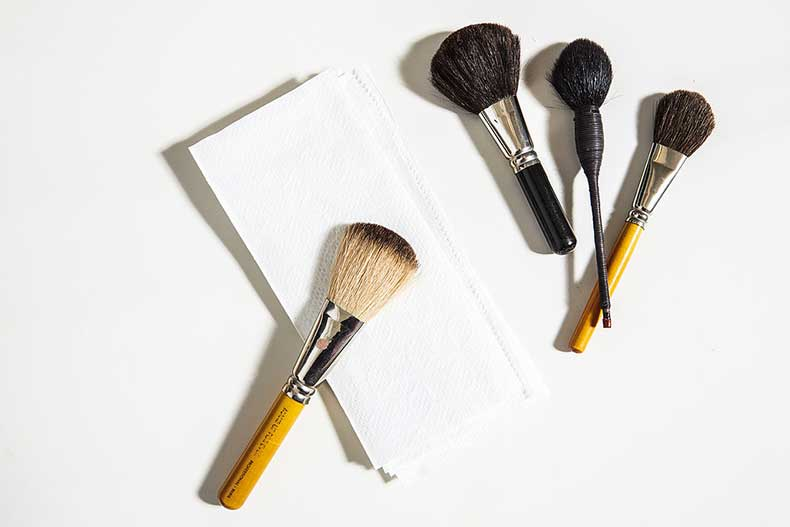 Cleanse-Your-Makeup-Tools
