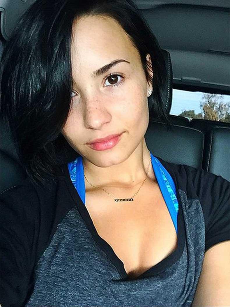 Demi-Lovato-(1)