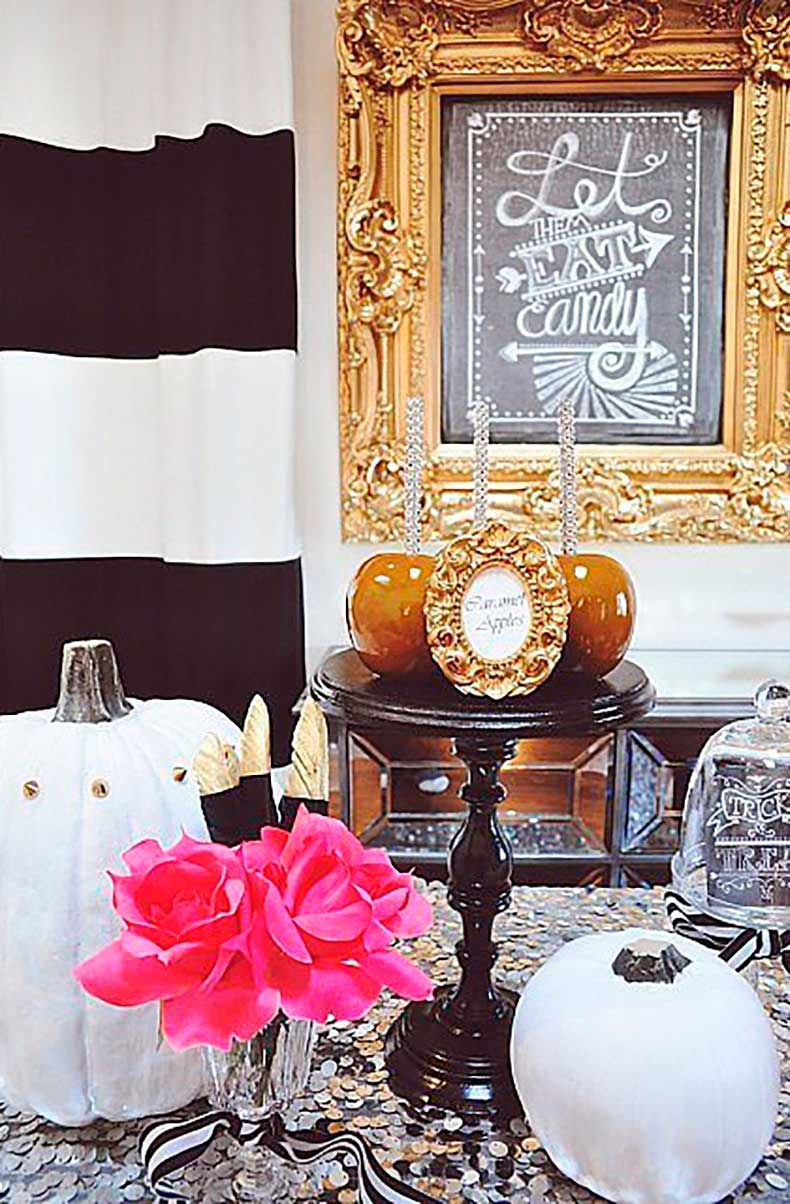 Gold-pink-accents-make-vignette-head-turner