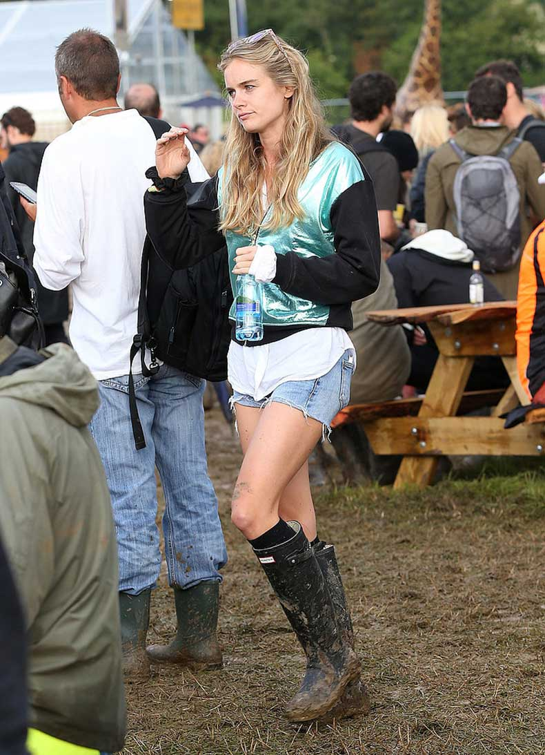 Her-Festival-Style-Includes-Bright-Bombers