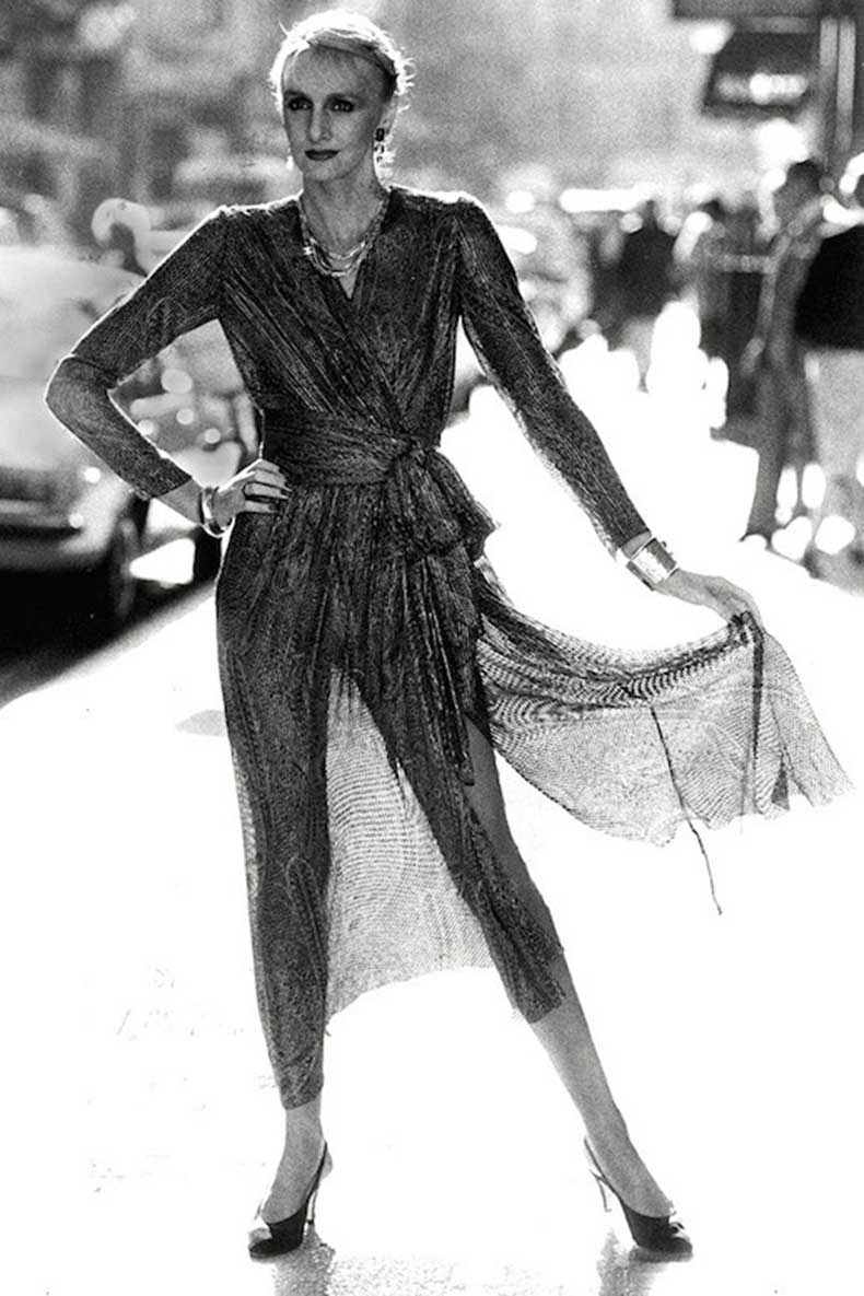Le-Fashion-Blog-1970s-70s-Street-Style-Vintage-Photos-Sheer-Wrap-Dress-Pointed-Slingback-Heels-Via-Tres-Blase