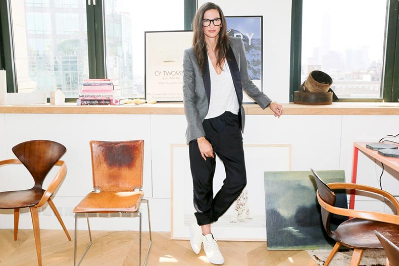 Le-Fashion-Blog-Jenna-Lyons-Queen-Of-Cool-Tux-Blazer-Jogger-Pant-High-Top-Sneakers-Via-Into-The-Gloss