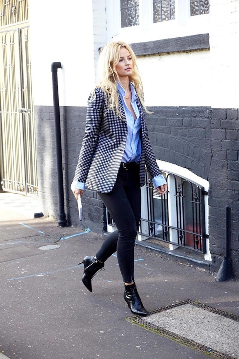 Le-Fashion-Blog-Power-Dressing-Statement-Print-Blazer-Blue-Shirt-Black-Jeans-Pointy-Kitten-Heel-Boots-Swedish-Blogger-Anouk-Yve