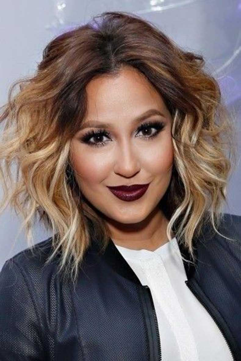 Messy-Wavy-Hairstyle-Medium-Hair-Color-Ideas-for-2015