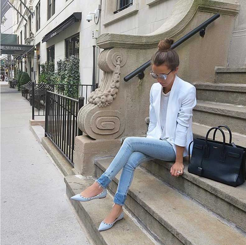 Skinny-Jeans-White-Blazer-Colorful-Flats