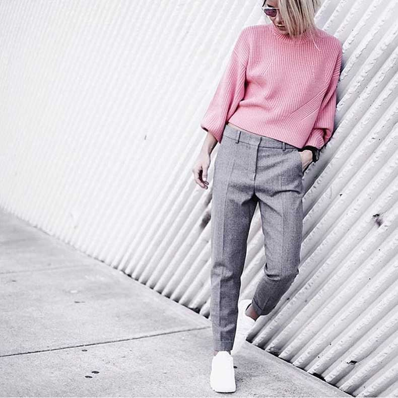 Sweater-Gray-Trousers-Sneakers