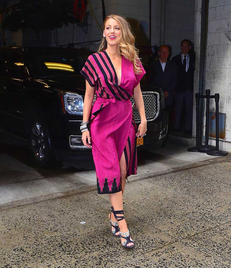 blake-lively-outfits-21apr15-03