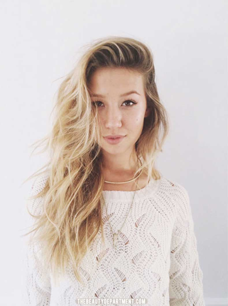 heavy-side-part-with-messy-waves-via-the-beauty-department