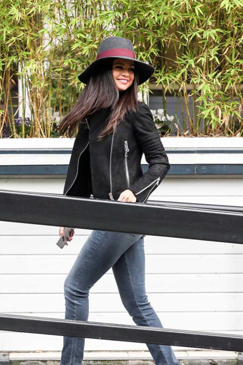 selena-gomez-revival-style-outfits-08