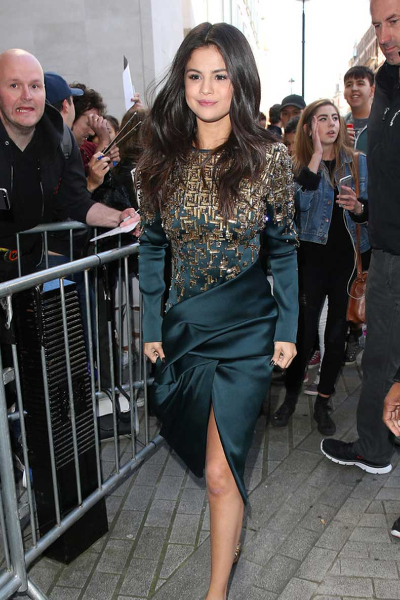 selena-gomez-revival-style-outfits-09