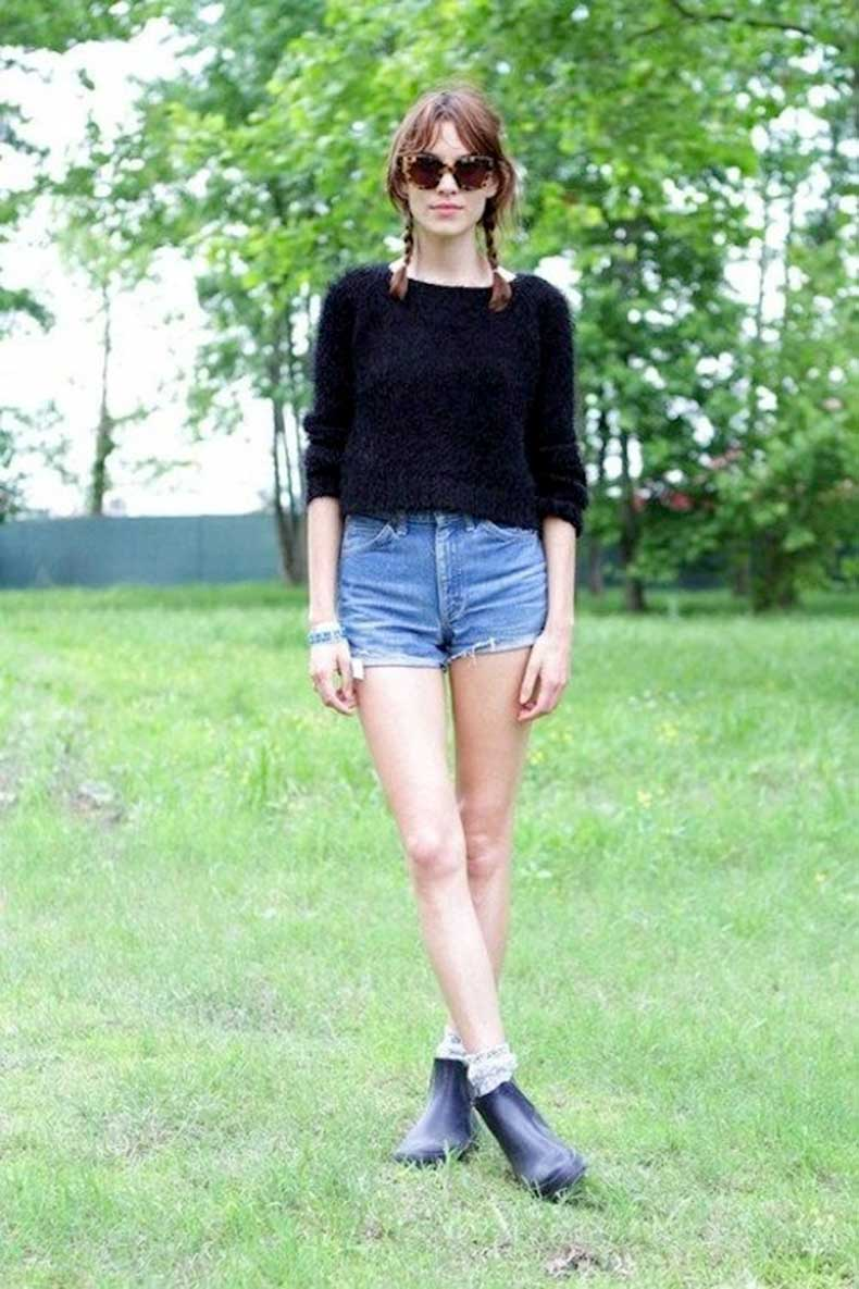 26-Le-Fashion-Blog-40-Of-Alexa-Chung-Best-Looks-With-Denim-Shorts-Braid-Pig-Tails-Cat-Eye-Sunglasses-Swearer-Jean-Cut-Offs-Festival-Style-Via-Refinery29