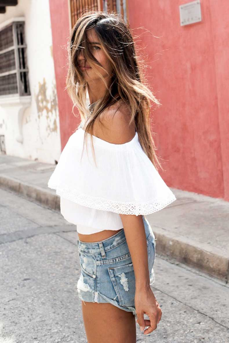 31-Le-Fashion-31-Stylish-Ways-To-Wear-An-Off-The-Shoulder-Look-White-Crochet-Top-Jean-Shorts-Via-Soleil-Blue