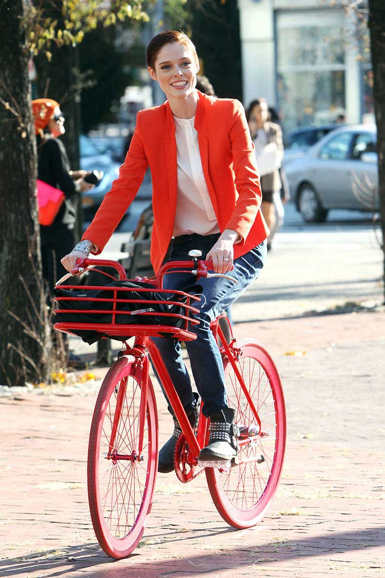 54c1e92436a88_-_hbz-celebs-on-bikes-06-coco-rocha-lg