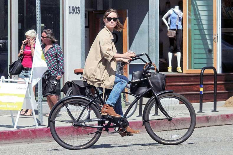 54c6b465b9d14_-_hbz-celebs-on-bikes-05-olivia-wilde-xl