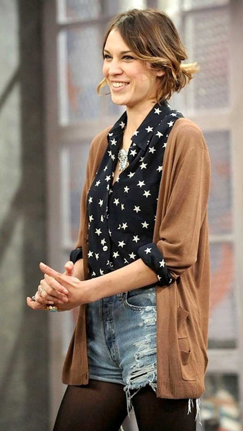 7-Le-Fashion-Blog-40-Of-Alexa-Chung-Best-Looks-With-Denim-Shorts-Star-Print-Shirt-Cardigan-Jean-Cut-Offs-Tights-Via-ASOS