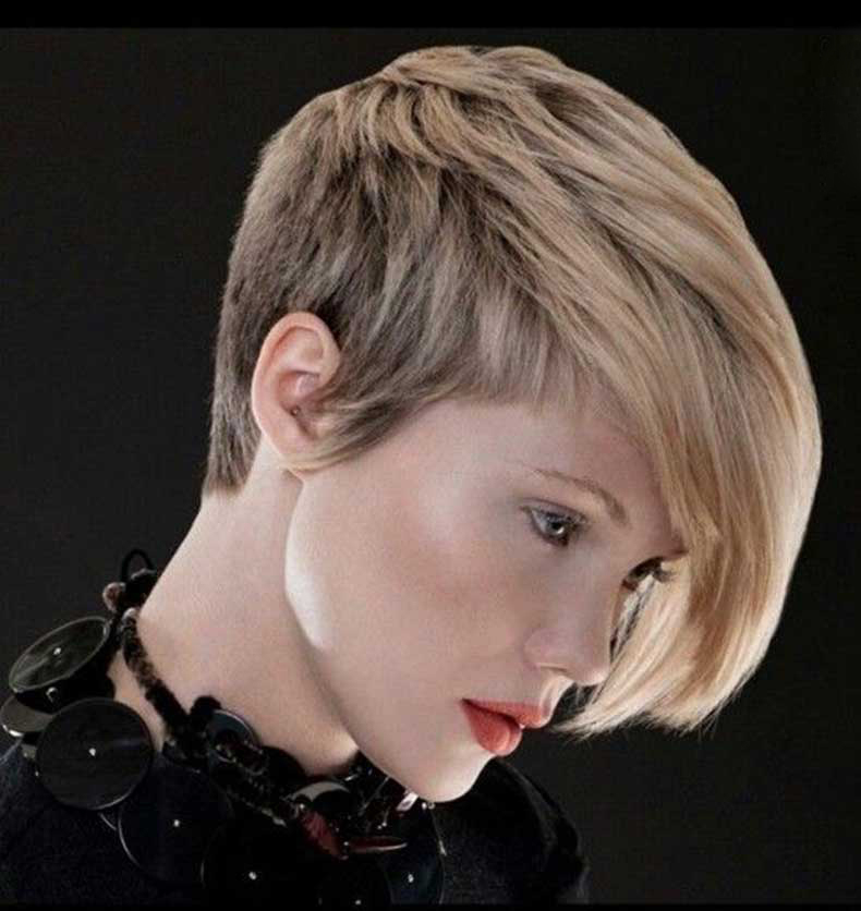 Asymmetric-Short-Haircut-for-Thick-Hair