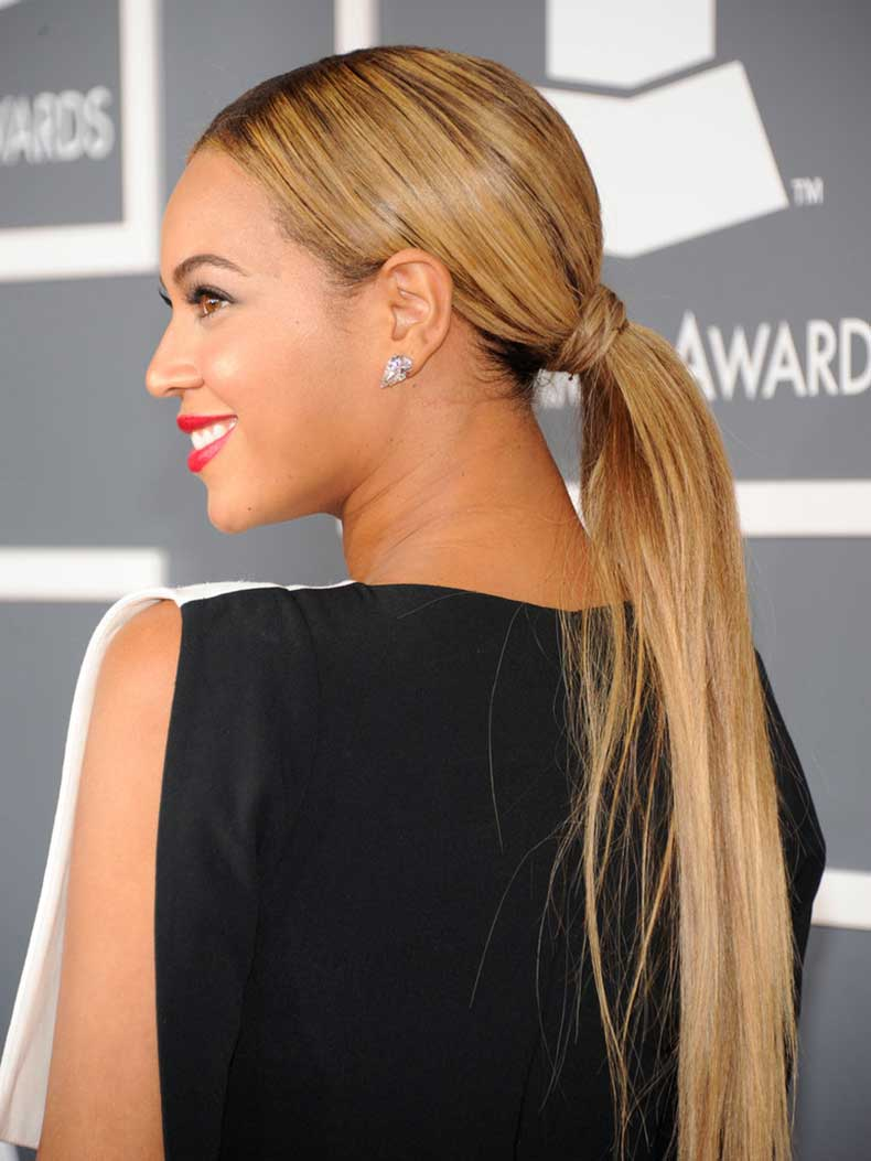 Beyoncé-went-extralong-ponytail-Grammy-Awards
