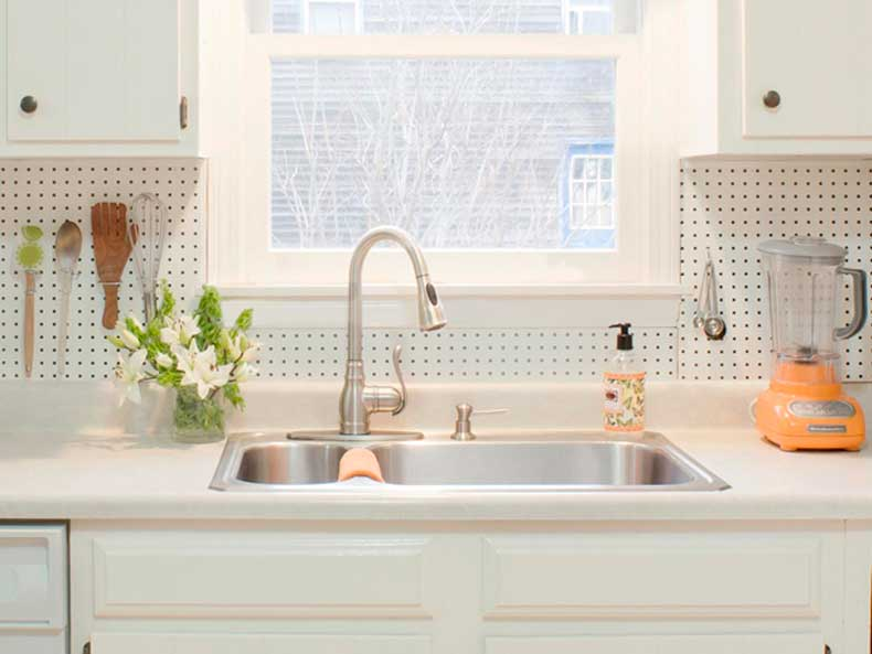 CI-Susan-Teare_Pegboard-Backsplash-Close2_s4x3.jpg.rend.hgtvcom.1280.960