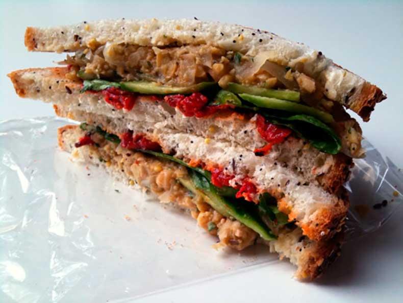 Chunky-Chickpea-Salad