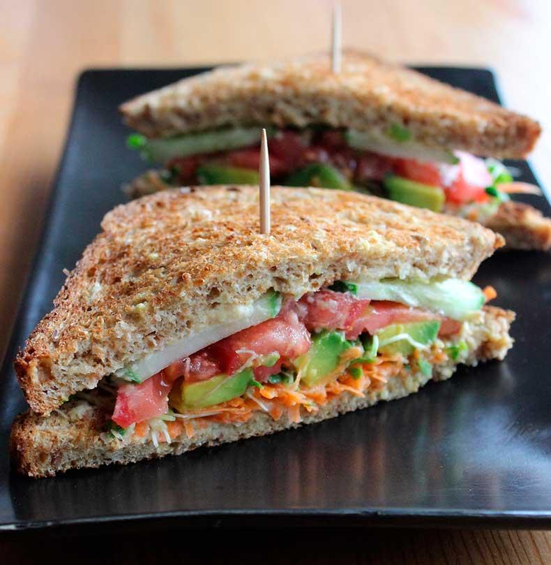 Hummus-Veggie-Sandwich