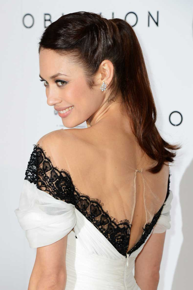 Olga-Kurylenko-upgraded-her-updo-twists-each-side
