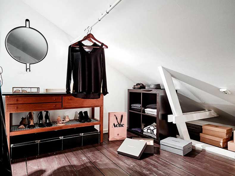 Oracle-Fox-Sunday-Sanctuary-Elsewhere-Small-Apartment-living-Alternative-Scandinvian-Interior-1