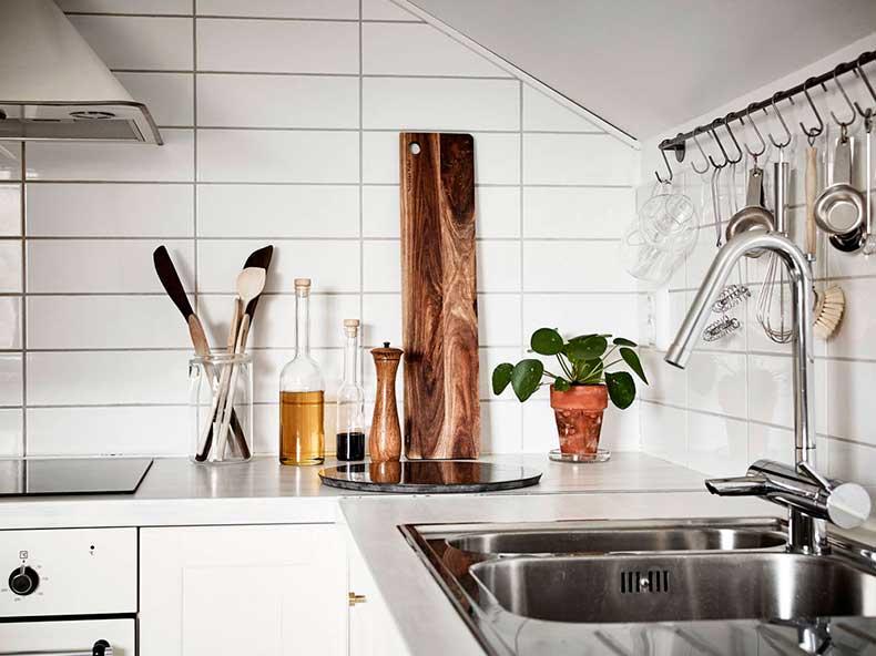 Oracle-Fox-Sunday-Sanctuary-Elsewhere-Small-Apartment-living-Alternative-Scandinvian-Interior-5