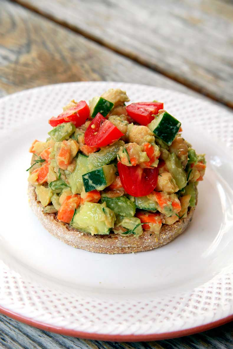 Smashed-Avocado-Chickpea-Salad