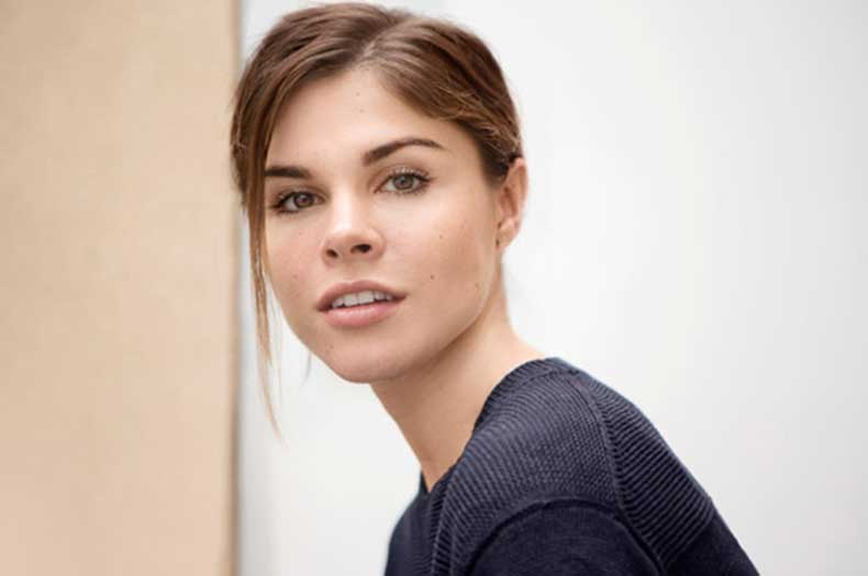 emily-weiss-glossier-intro-1-613x408-1
