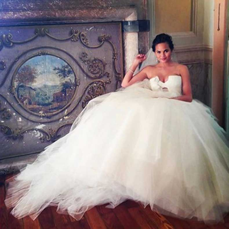 13-@chrissyteigen-best-celebrity-weddings