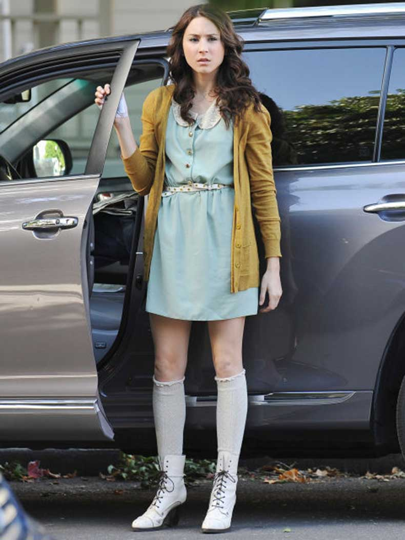 54eebfad8e517_-_sev-pretty-little-liars-outfits-spencer-5-s2