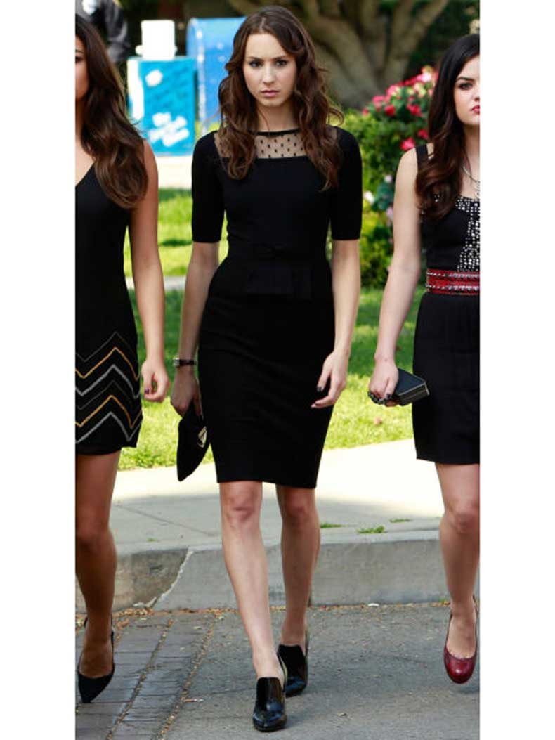 54eebfb0a5723_-_sev-pretty-little-liars-outfits-spencer-4-s2