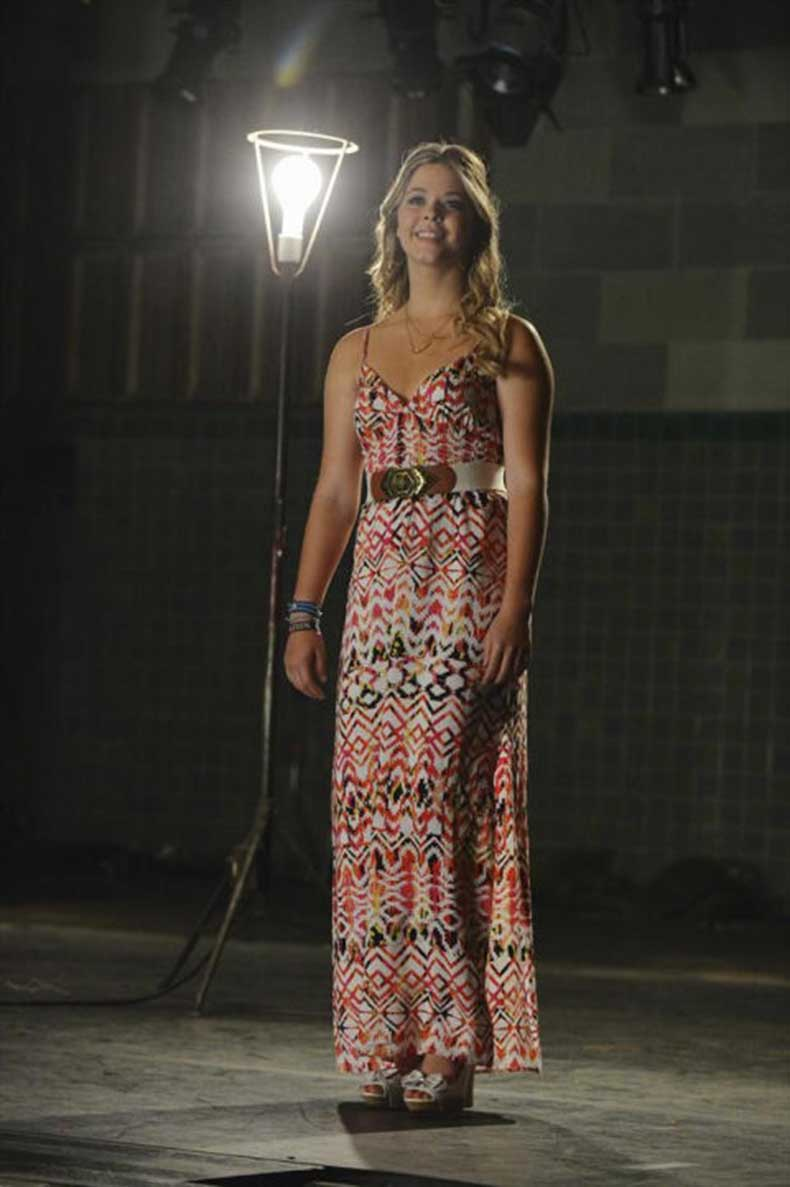 54eebfb7940cd_-_sev-allison-pretty-little-liars-tribal-maxi-dress-de