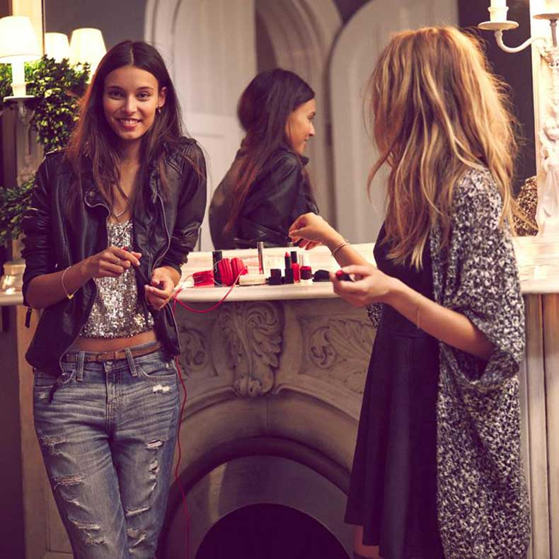 Abercrombie-Fitch-Out-with-the-Girls-Lookbook-02