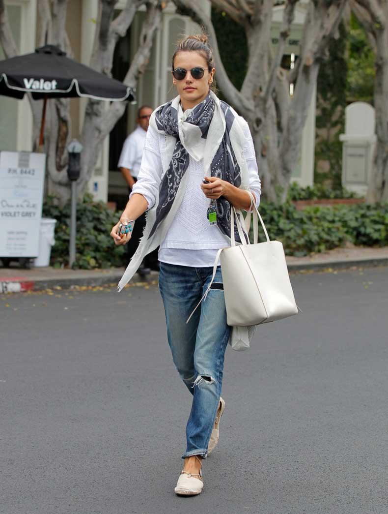 Alessandra-Ambrosio-mastered-laid-back-LA-vibe-boyfriend