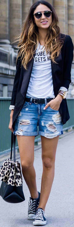 Black-Blazer-Denim-Shorts-Casual-Outfit