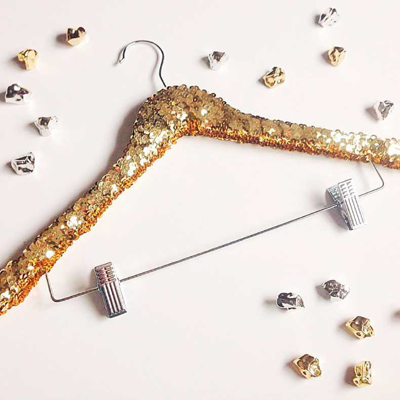 Golden-Hanger